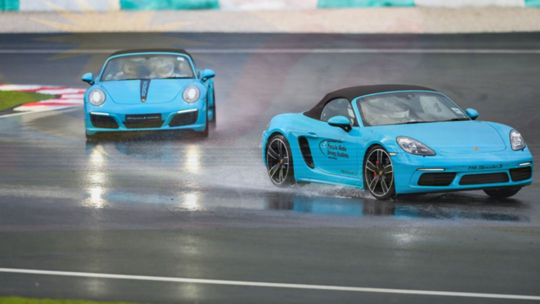 911 Carrera S Cabriolet, 718 Boxster S, Sepang International Circuit, Porsche Asia Pacific, 2016, Porsche AG