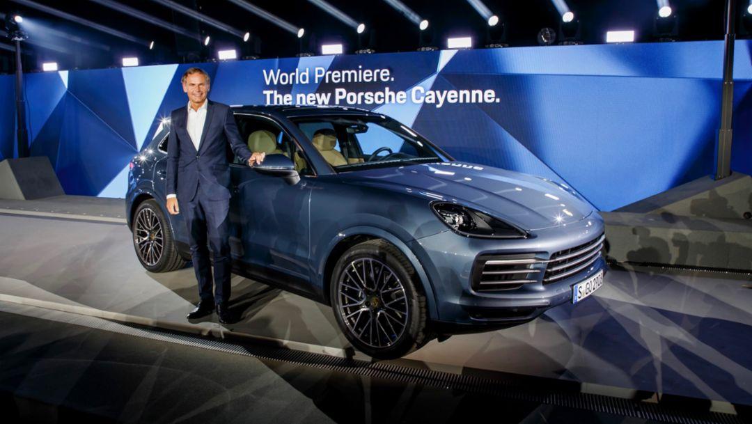 Oliver Blume, Vorstandsvorsitzender Porsche AG, Cayenne, Porsche Museum, 2017, Porsche AG