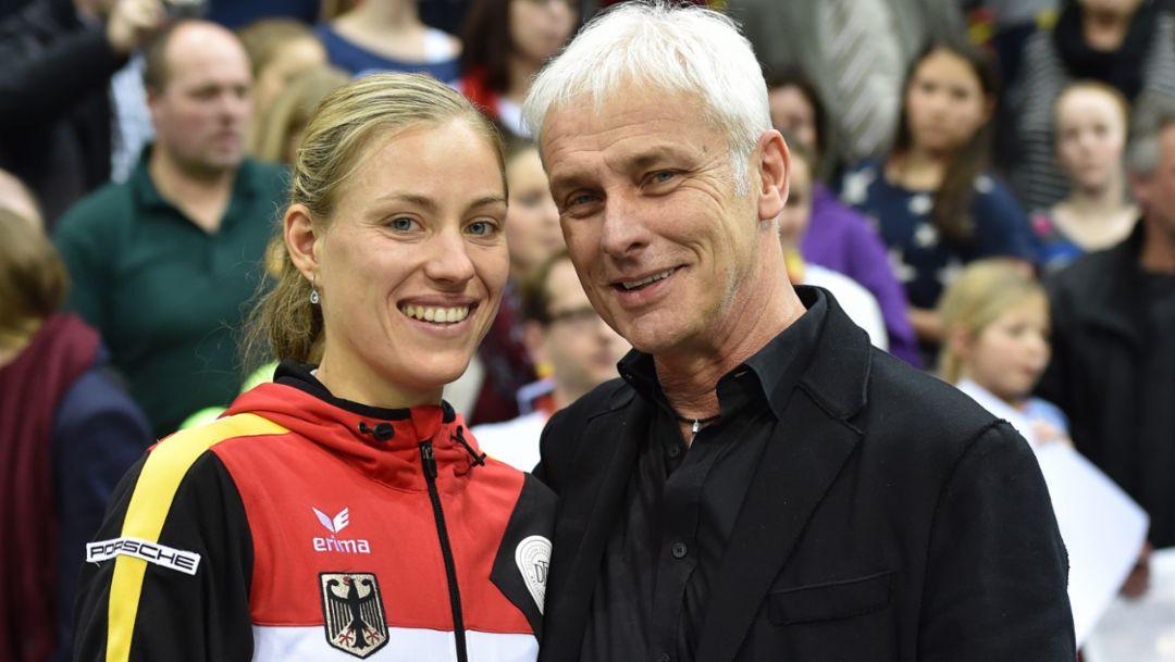 Angelique Kerber, brand ambassador, Matthias Mueller, CEO of Porsche, l.-r., Fed-Cup-semi-final, Stuttgart, 2015, Porsche AG