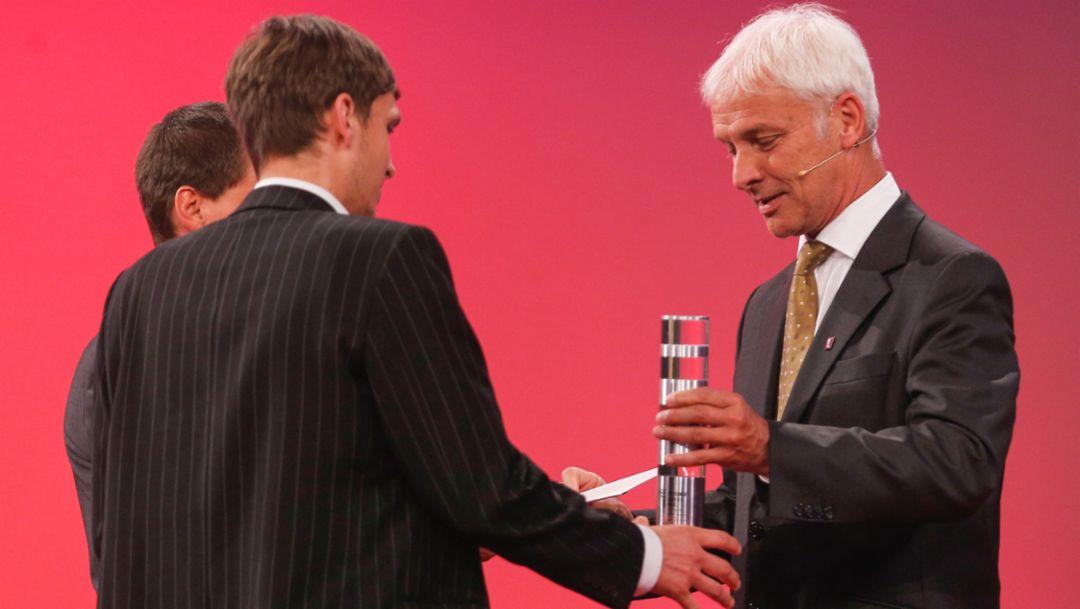 Christopher Fuhrhop, Marius Kunkis, Gründer RESTUBE, Matthias Müller, Vorstandsvorsitzender, Deutscher Gründerpreis, 2015, Porsche AG