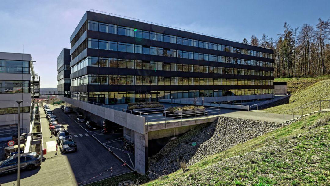 Porsche Entwicklungszentrum nimmt neues Antriebsprüfgebäude in Betrieb