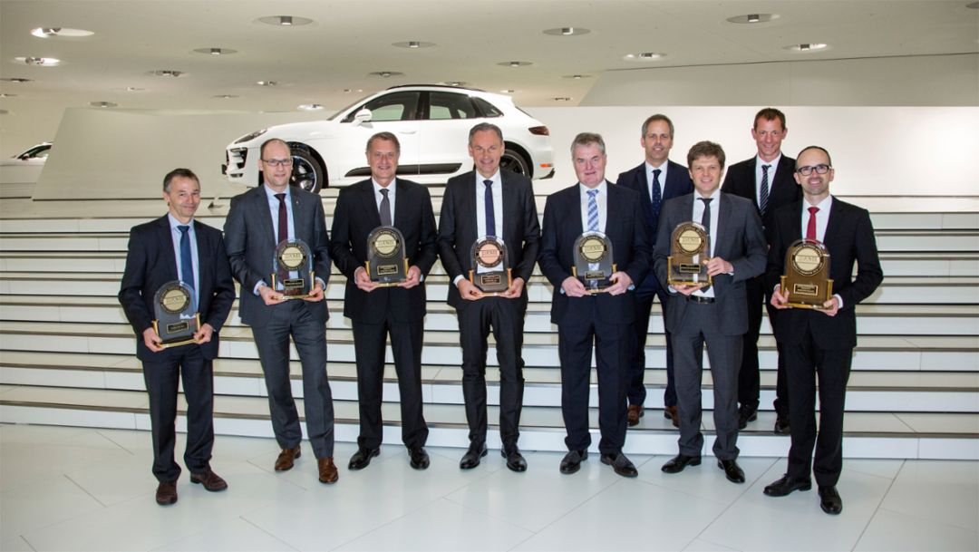 August Achleitner, Vice President model range 911 , Dr. Michael Becker, Vice President model range Macan, Detlev von Platen, Member of the Executive Board, Sales and Marketing, Oliver Blume, CEO, Siegfried Bülow, Chairman of the Management Board of Porsche Leipzig GmbH, Dr. Stefan Weckbach, Vice President model range BEV, Dr. Michael Löffler, Vice President Customer Relations, Michael Drolshagen, Vice President After Sales, Frank Moser, Vice President Corporate Quality, 2016, Porsche AG