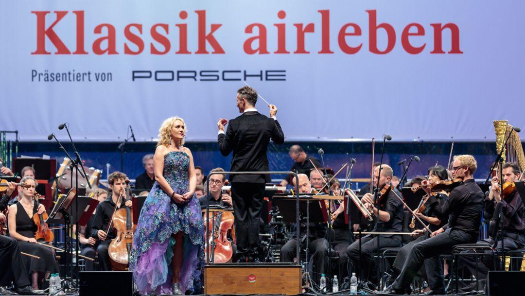 Simone Kermes, Sopranistin und Alexander Shelley, Dirigent, Leipziger Rosental, 2016, Porsche AG