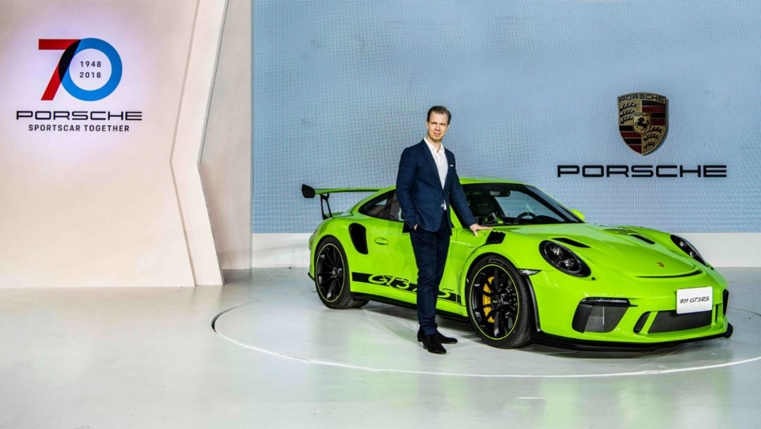 Mathias Busse, CEO of Porsche Taiwan, 911 GT3 RS, Taiwan, 2018, Porsche AG