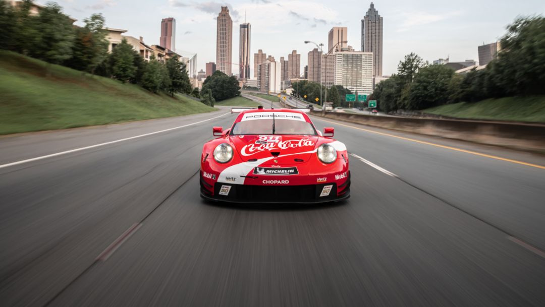 Highlight at season finale: Porsche flies Coca Cola design at Petit Le Mans