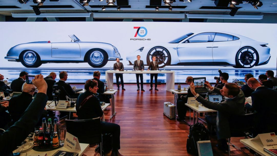 Крупными инвестициями Porsche формирует путь будущего развития
