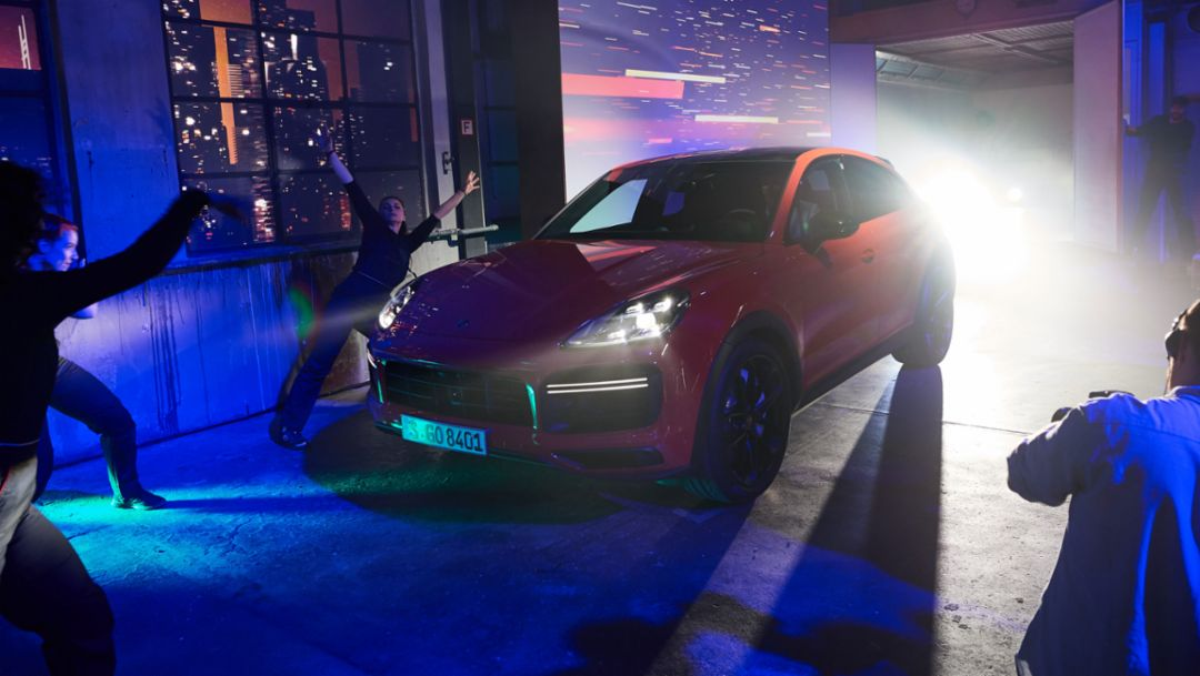 Porsche presents the all new Cayenne Coupé