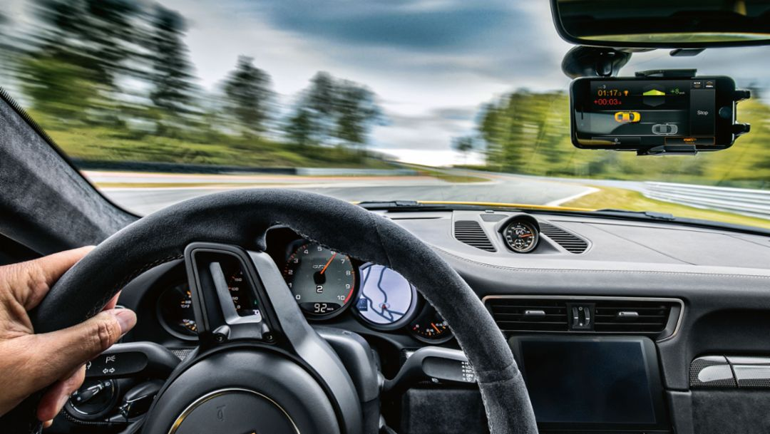Driving Instructor: The new Porsche Track Precision app