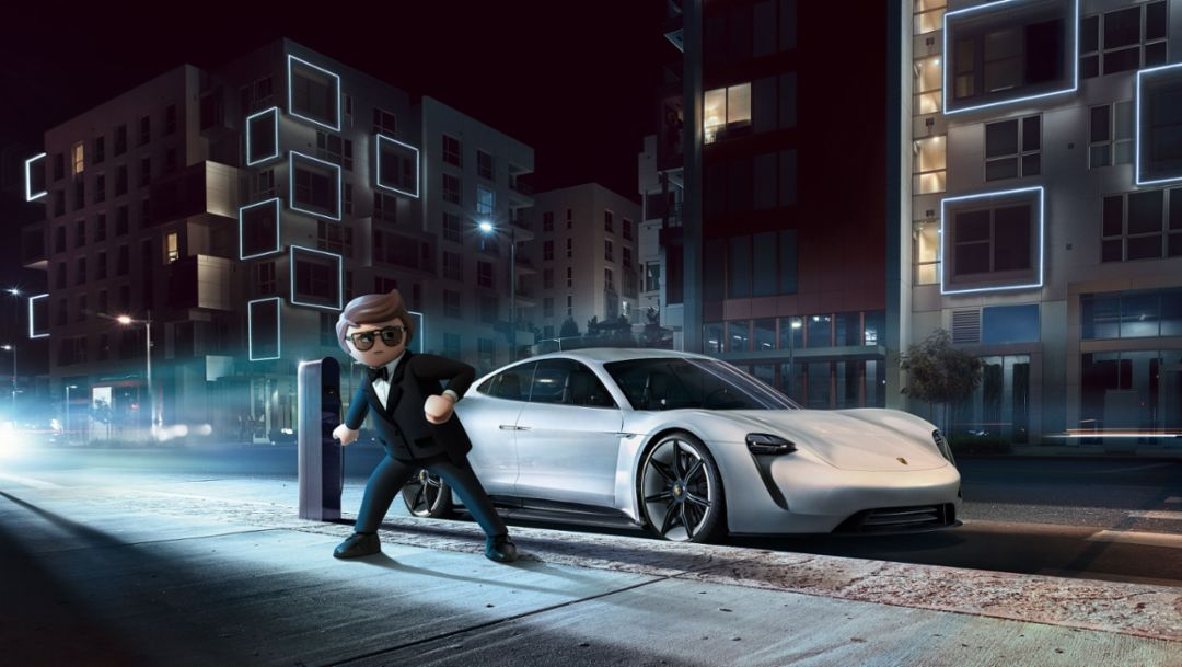PLAYMOBIL: THE MOVIE – Rex Dasher drives the Porsche Mission E