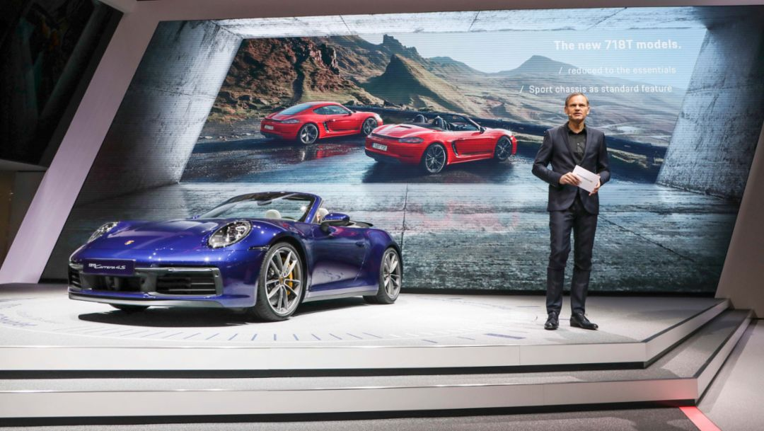 Porsche in Geneva: Bestseller, icon, driving machine
