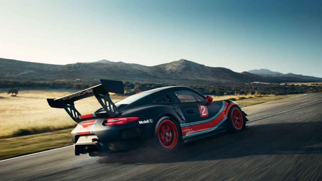 На старте Porsche 911 GT2 RS Clubsport мощностью 700 л.с.