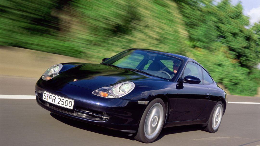 Серия 996: первый «девятьсот одиннадцатый» с жидкостным охлаждением двигателя
