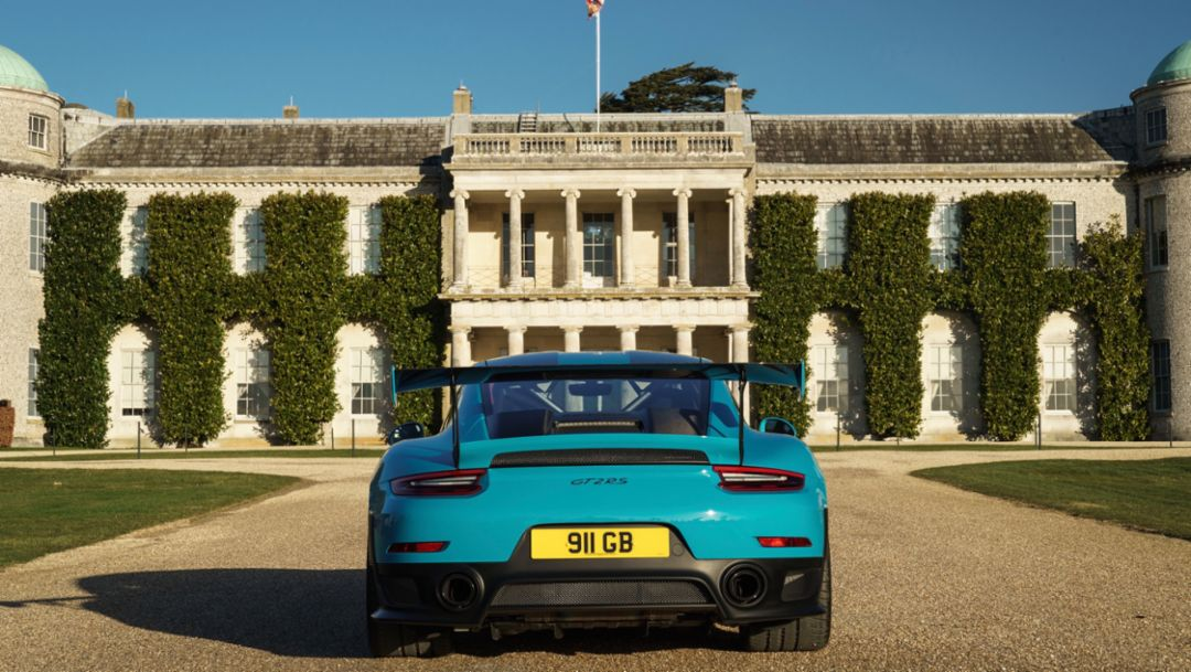 911 GT2 RS, Goodwood House, 2018, Porsche AG