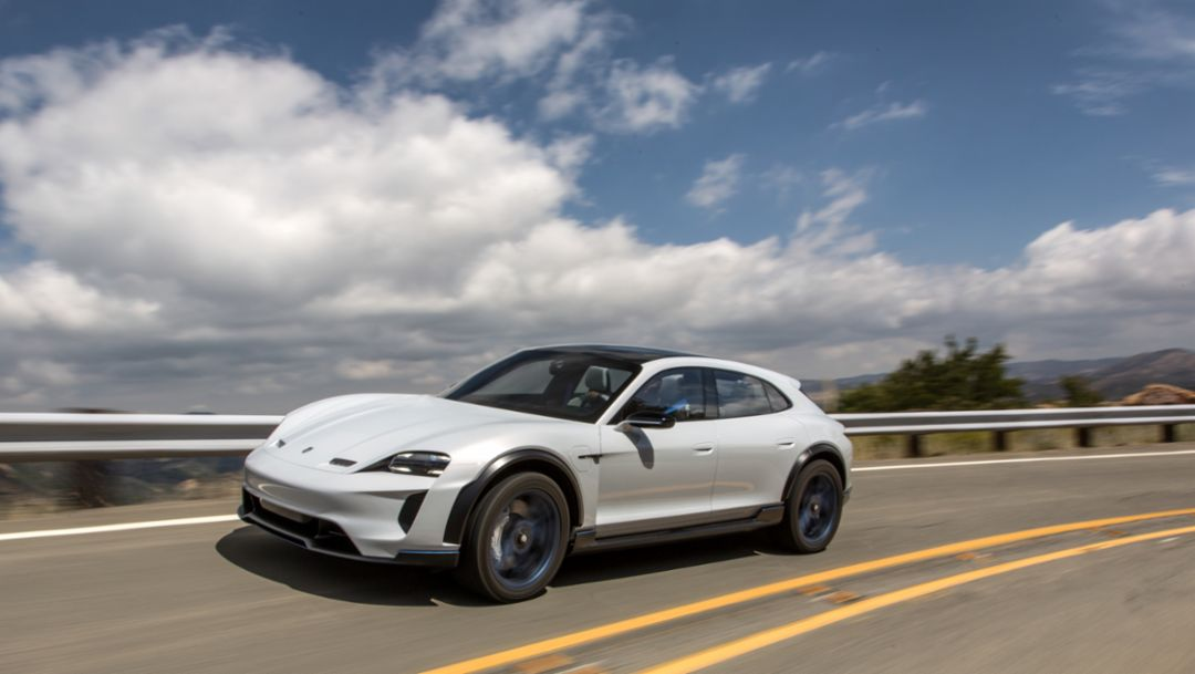 Intensifying electromobility: Porsche drops diesel