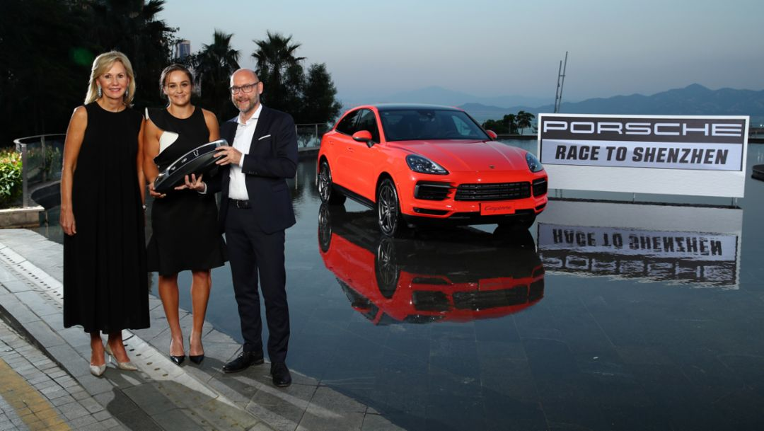 Ashleigh Barty secures herself a Porsche Cayenne Coupé