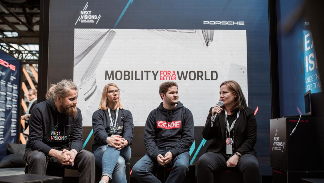 Robert Martin, Porsche Digital / APX, Anja Hendel, Head of Porsche Digital Lab, Thomas Bachem, Founder & Chancellor of CODE University of Applied Sciences, Daniela Rathe, Head of Politics, External Relations and Sustainability Porsche AG, l-r, re:publica, 2019, Porsche AG