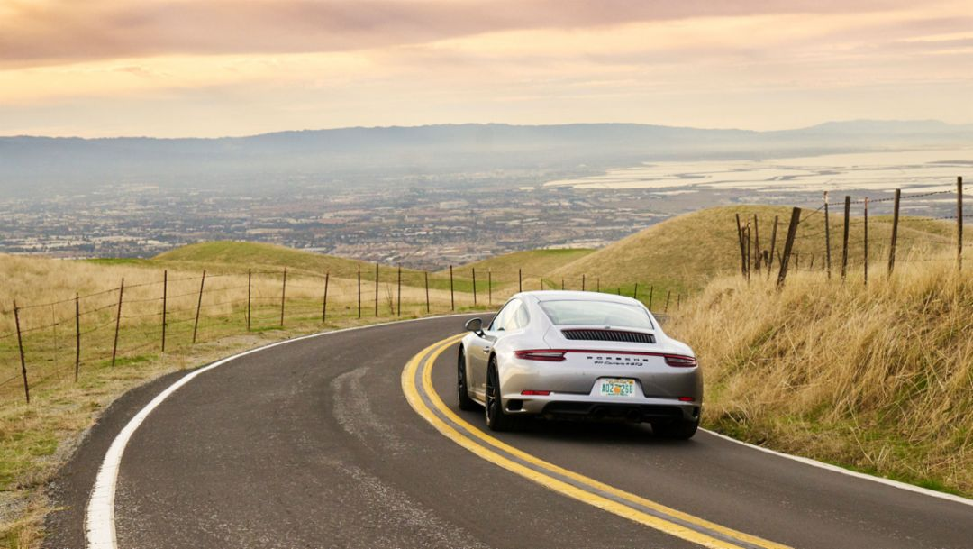 Porsche launches sharing offers in the USA