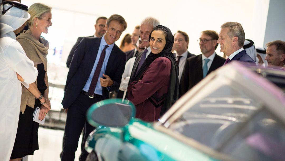 Michael Mauer, Head of Porsche Design Department, Matthias Müller, Chairman of the Board of Management of Volkswagen AG, Sheikha Al Mayassa bint Hamad bin Khalifa Al Thani, Chairperson of Qatar Museums, l-r, Driven by German Design, Qatar Museum, 2018, Porsche AG