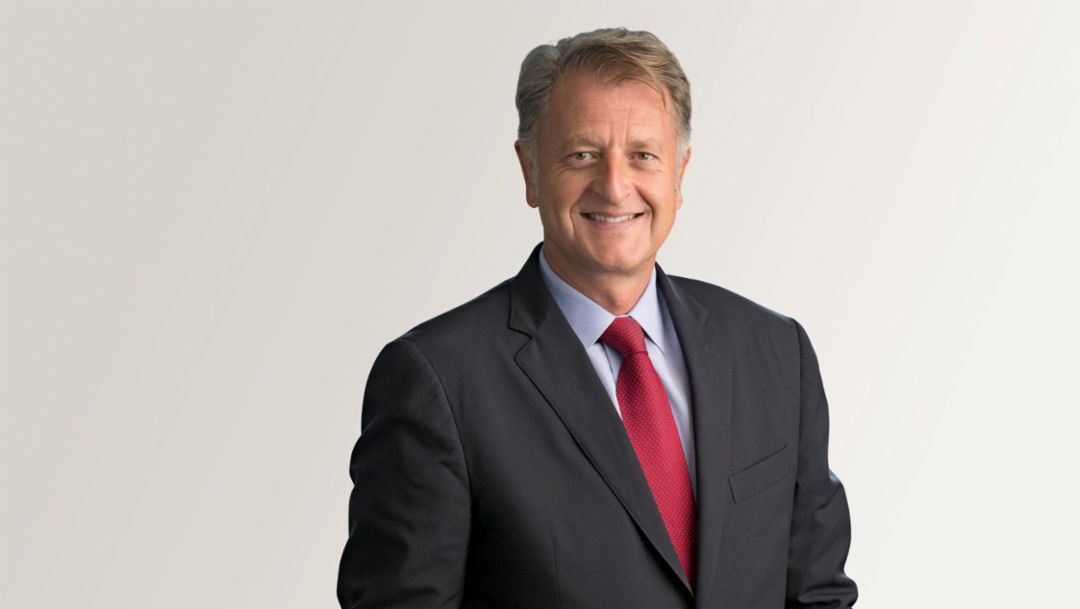 Detlev von Platen, Member of the Executive Board, Sales and Marketing (from 11/01/2015), 2015, Porsche AG