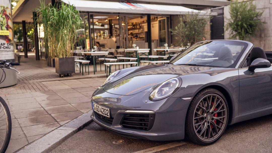 911 Carrera S Cabriolet (2018), Pierre-Pfimlin-Platz, Stuttgart, 2018, Porsche AG