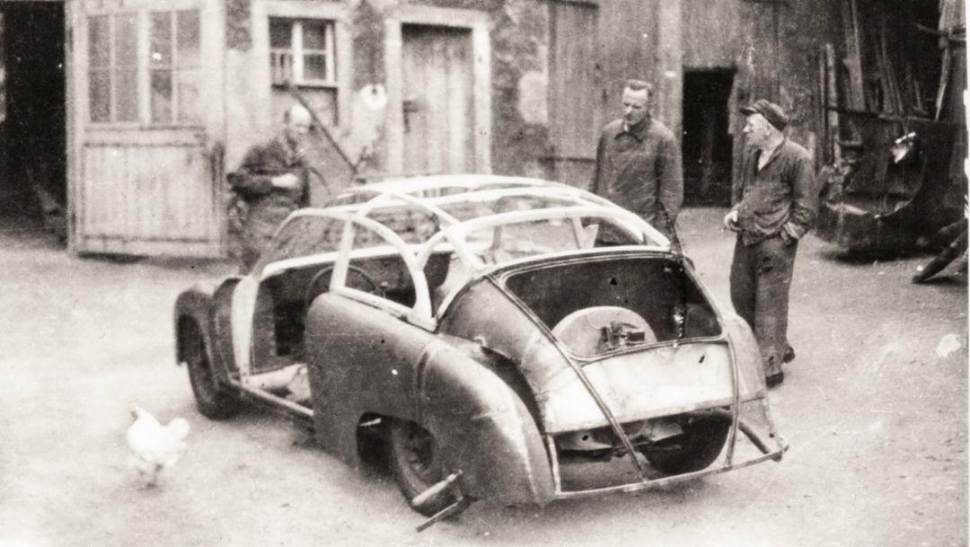 GDR Porsche, courtyard of the Lindner body makers, 2018, Porsche AG
