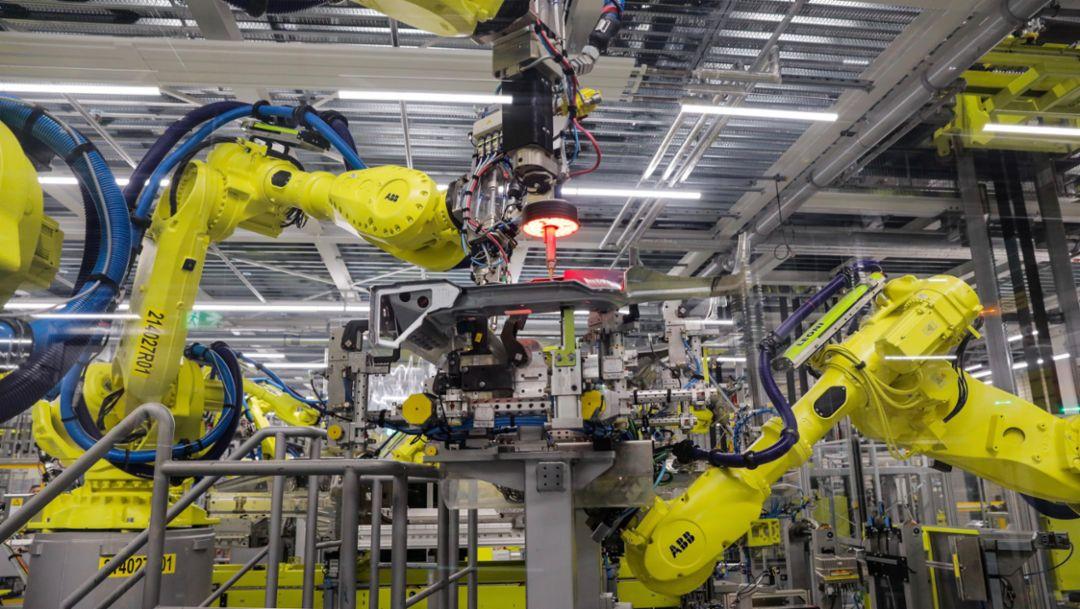 Production workshop Porsche 911, 2019, Porsche AG