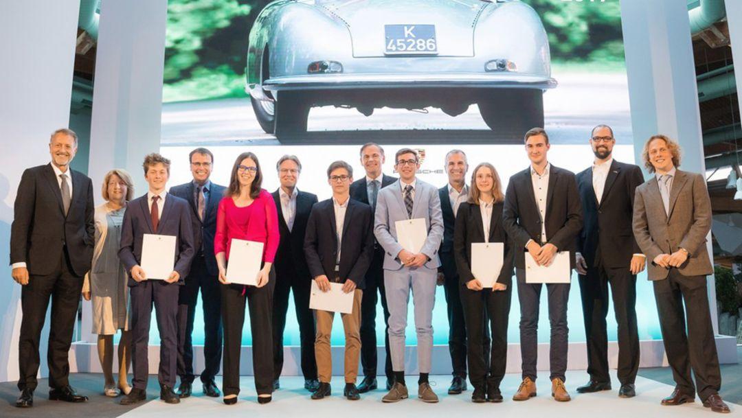 Porsche verleiht Ferry-Porsche-Preis an 220 Abiturienten