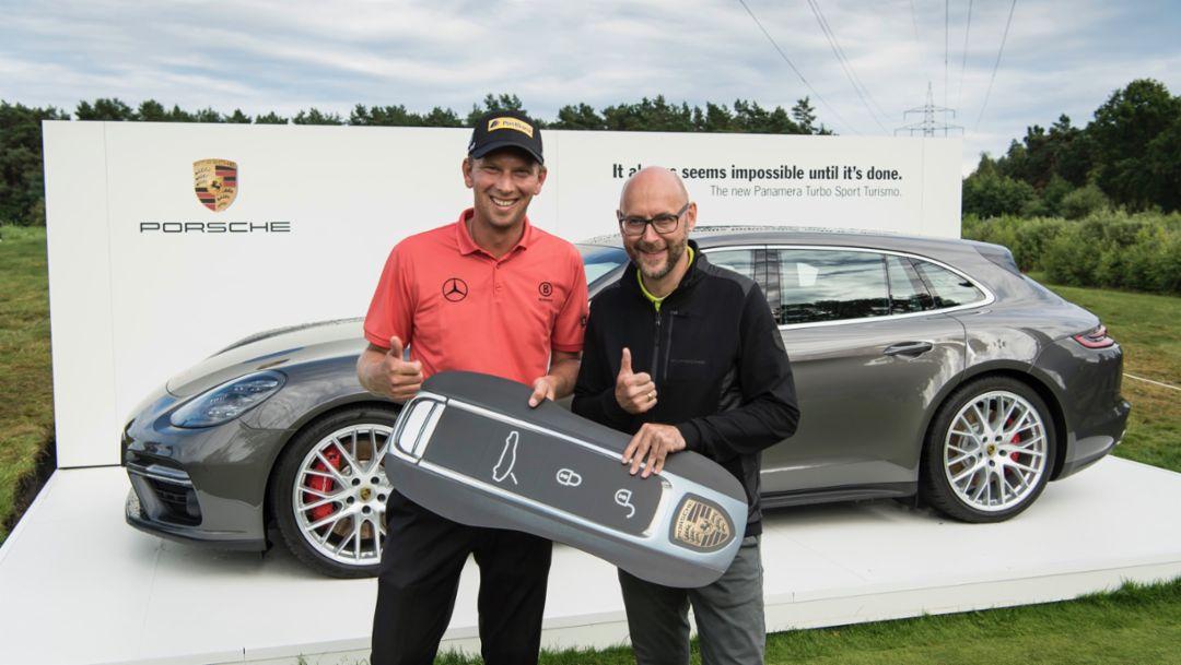 Marcel Siem, Oliver Eidam, Leiter Markenpartnerschaften & Sponsoring der Porsche AG, l-r, Porsche European Open, Hamburg, 2017, Porsche AG