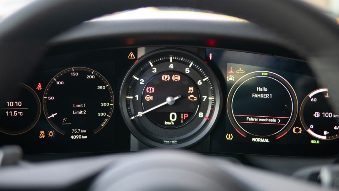 What's the clock? The rev counter in the 911 generation