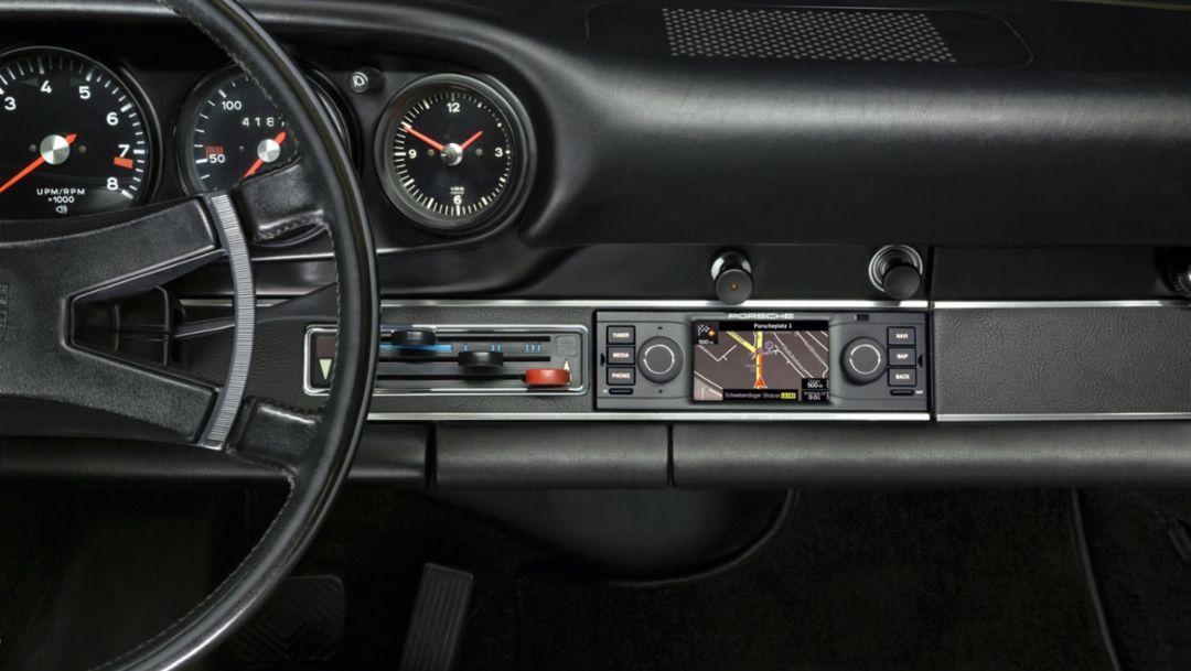 Neues Navigationsradio von Porsche Classic