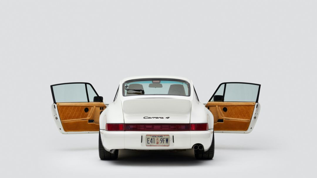 Restored 911 combines heritage and fashion