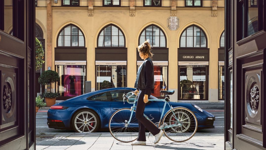 The new Porsche 911 – Eye contact with a kick