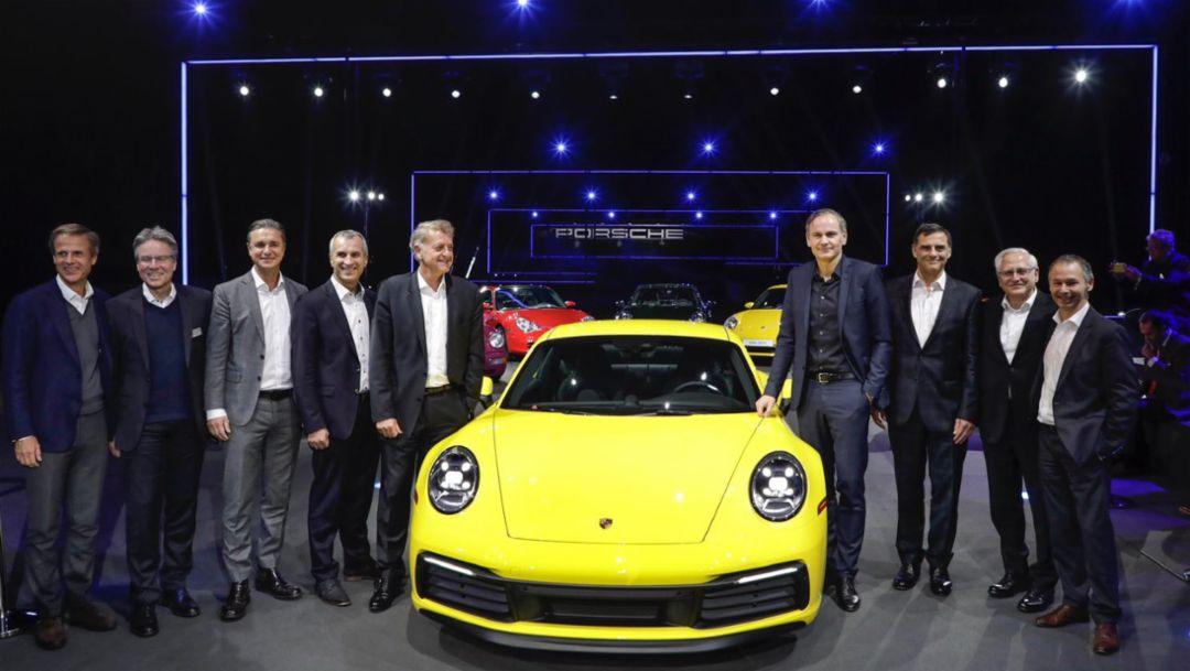 Michael Mauer, Andreas Haffner, Lutz Meschke, Albrecht Reimold, Detlev von Platen, Oliver Blume, Michael Steiner, Uwe-Karsten Städter, August Achleitner, l-r, 911 (992), L.A. Auto Show, 2018, Porsche AG