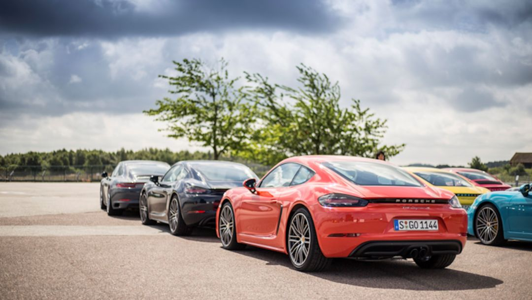 Test-drive with the new Porsche 718 Cayman