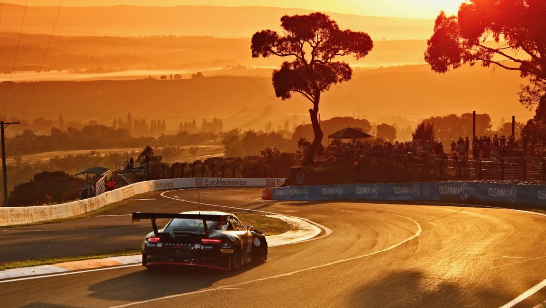 911 GT3 R, Race, Intercontinental GT Challenge, Mount Panorama Circuit, Bathurst, 2019, Porsche AG