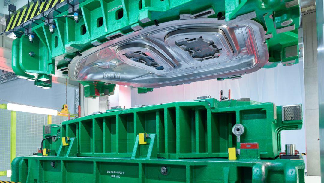 Presswerk von Schuler und Porsche wird in Halle gebaut