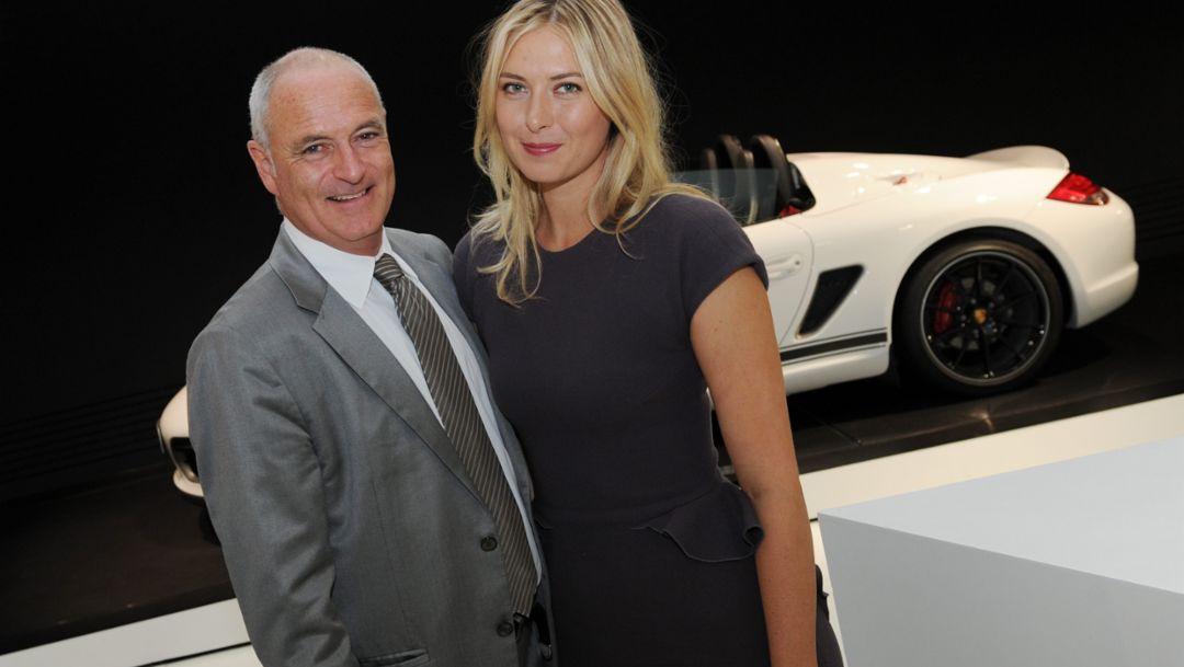 Tournament director Markus Günthardt and Porsche Brand Ambassador Maria Sharapova