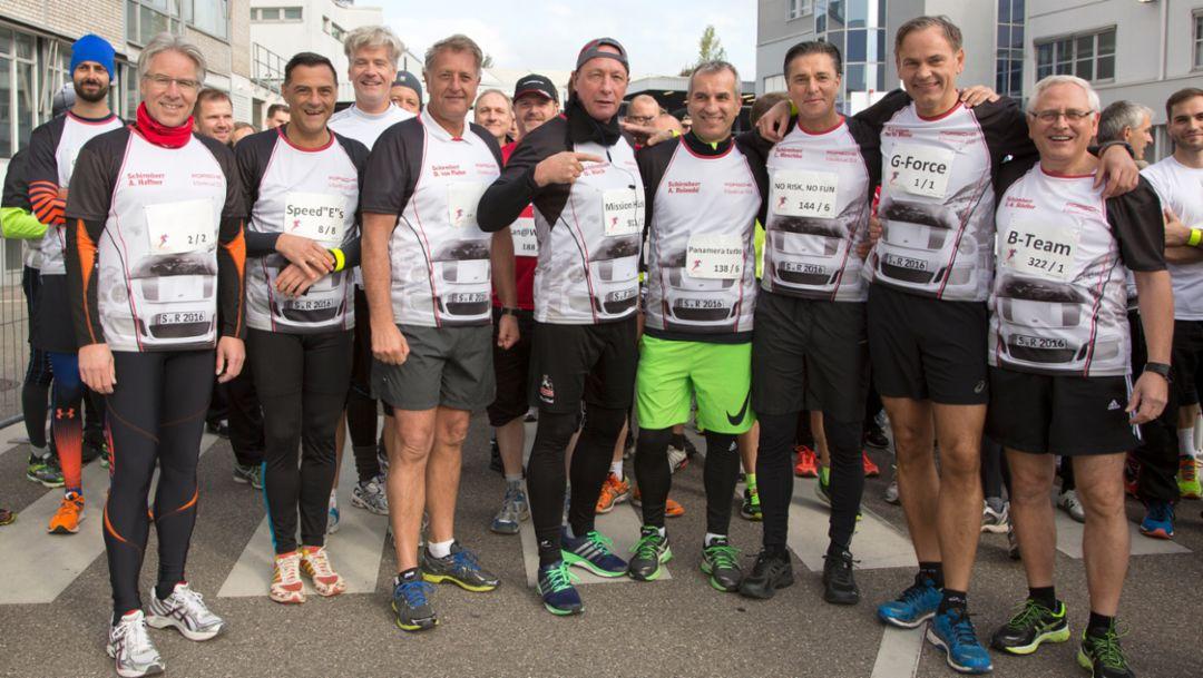 Executive Board and Head of the Works Council (l.to.r.) Andreas Haffner, Michael Steiner, Detlef von Platen, Uwe Hück, Albrecht Reimold, Lutz Meschke, Oliver Blume, Uwe-Karsten Städter, six-hour run, Stuttgart, 2016, Porsche AG