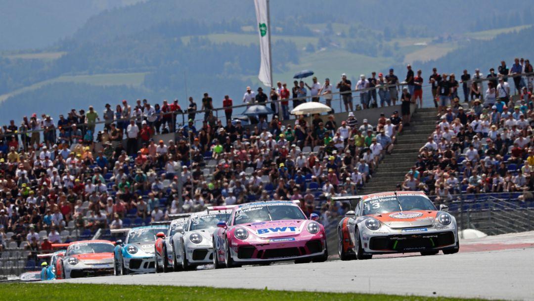 PCCD: Julien Andlauer gewinnt sein erstes Rennen im deutschen Carrera Cup