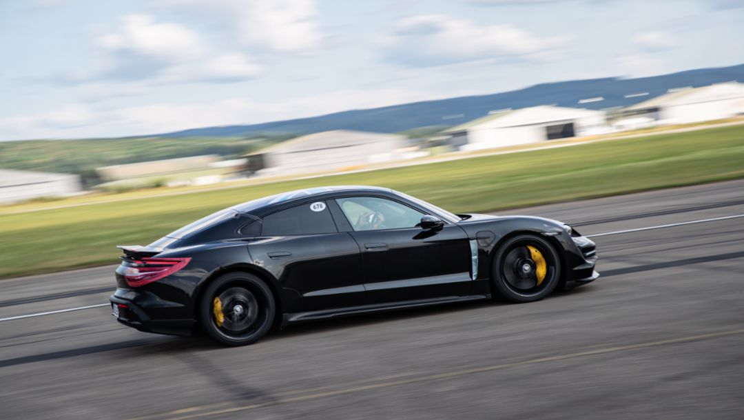The new Porsche Taycan demonstrates its consistent power