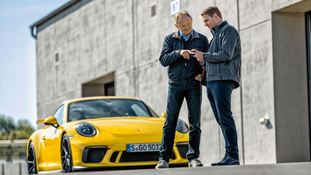 Horst von Saurma, Autor, Eduard Schulz, App Entwickler, l-r, Porsche Track Precision App, 2017, Porsche AG