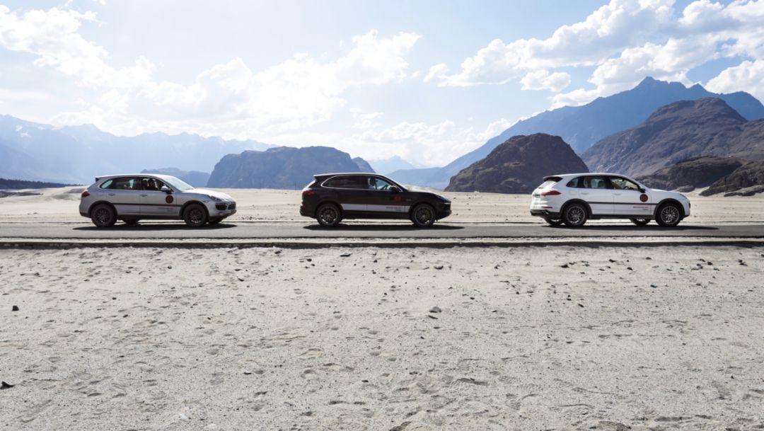 荒漠、急流、高海拔:与 Cayenne S E-Hybrid 的一场旷世奇旅