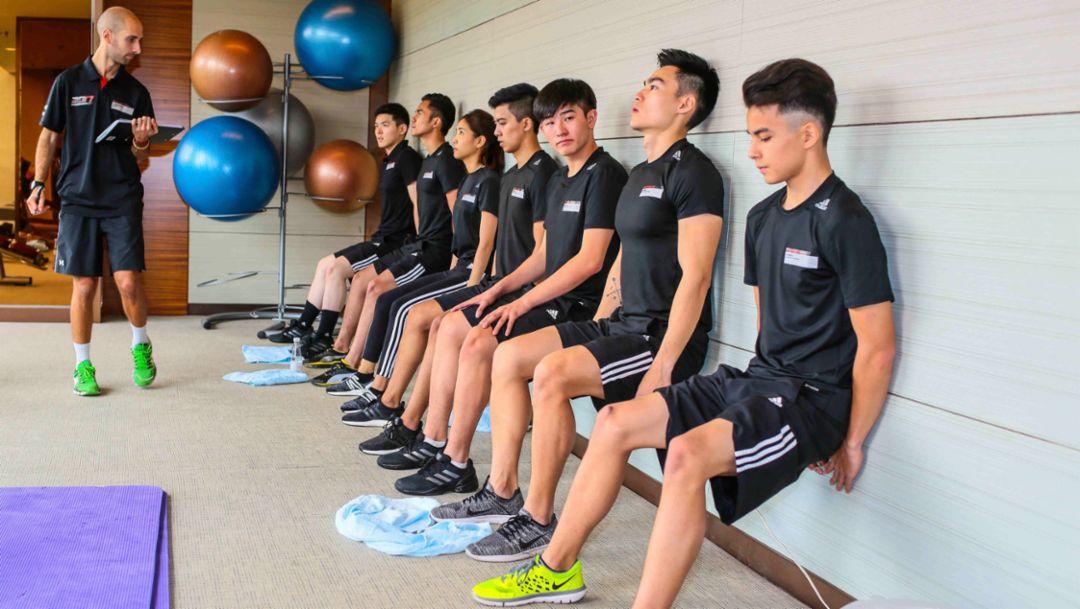 为期3天的保时捷中国青年车手选拔既要测试候选人的驾驶能力也要测试他们的身体素质