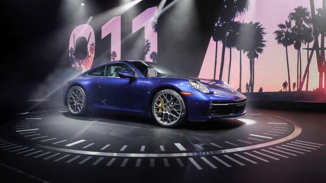 Новый Porsche 911 – икона дизайна и высокотехнологичный спортивный автомобиль