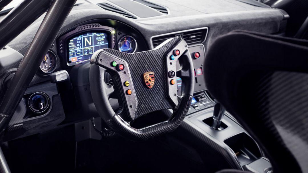 全新保时捷 935 赛车
