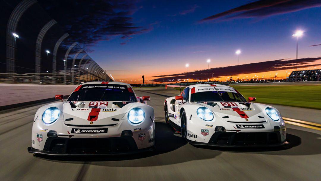 IMSA: New Porsche 911 RSR celebrates race debut in North America