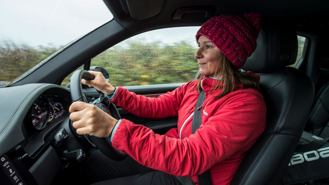 Sian Sykes, eco-warrior, Cayenne E-Hybrid, 2019, Porsche AG