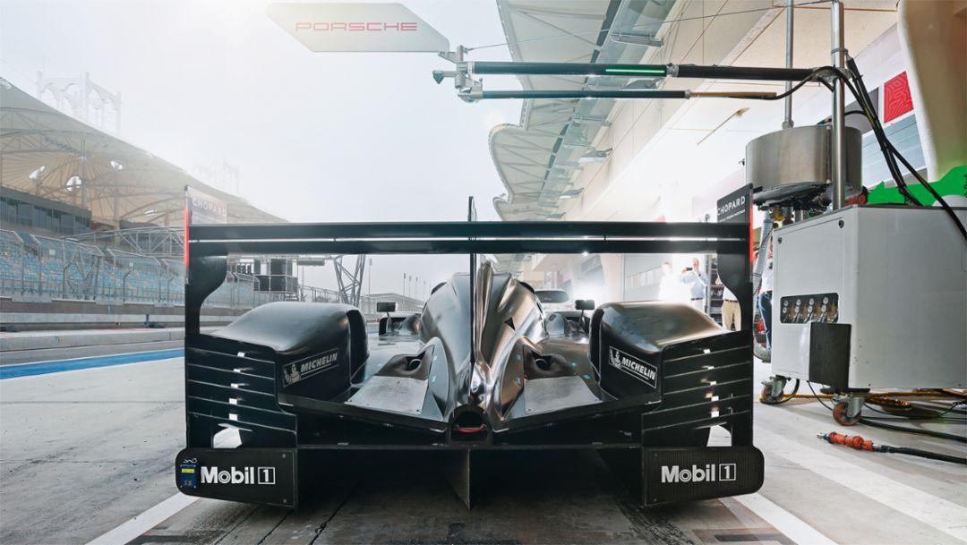 919 Hybrid, preseason training in Bahrain, 2015, Porsche AG