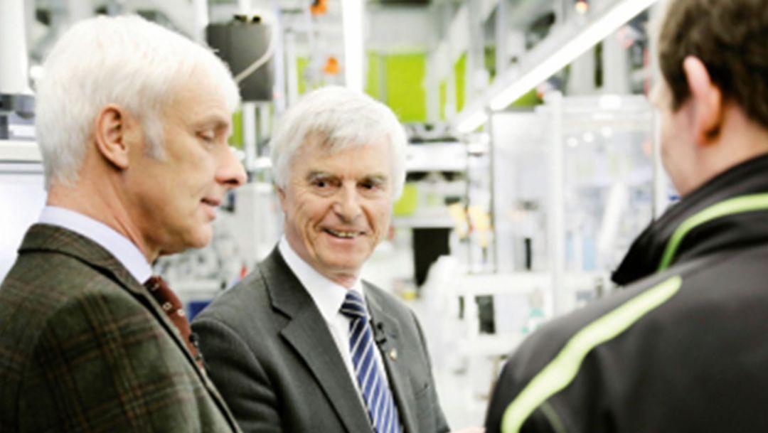 Matthias Müller, Vorstandsvorsitzener (l.), Ulf Merbold, Physiker, Zuffenhausen, 2014, Porsche AG