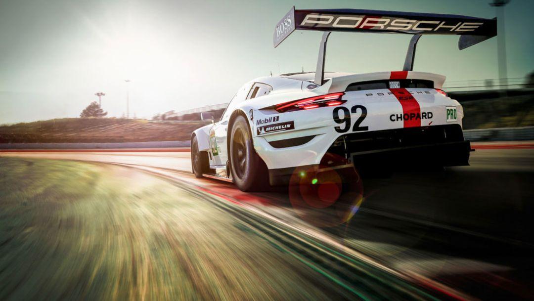 El nuevo Porsche 911 RSR en el prólogo del WEC en Barcelona